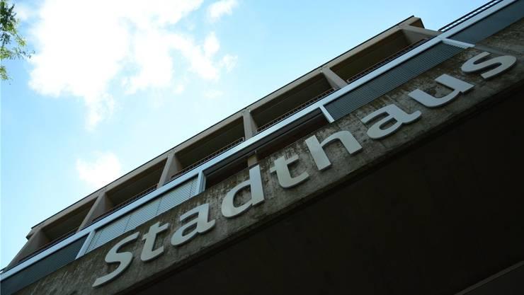 Der Schlieremer Stadtrat will die amtlichen Anzeigen weiterhin in der Printausgabe der Limmattaler Zeitung abdrucken. Bild: Stadthaus in Schlieren