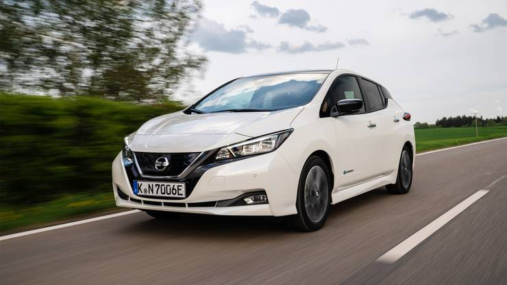 Mit 150 PS und 320 Nm ist der neue Leaf flott unterwegs; 0–100 km/h schafft er in 7,9 Sekunden. Der Verbrauch liegt laut Werk bei 17 kWh/100 km.