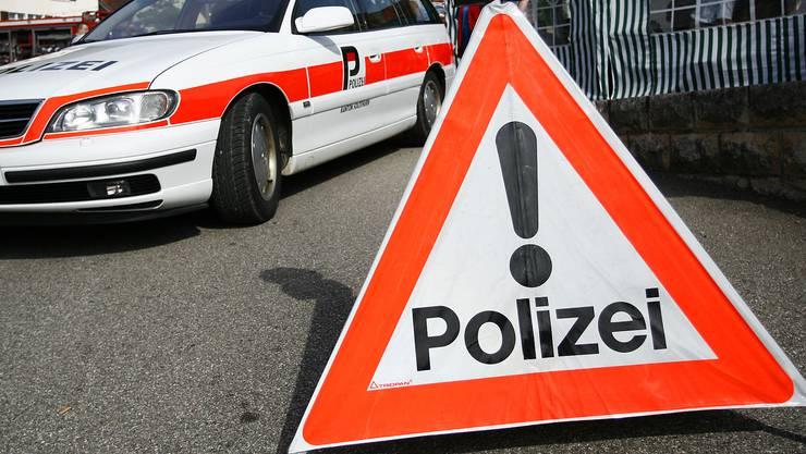 Kantonspolizei sucht Zeugen. Woher stammen die Schäden?