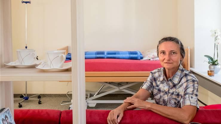 «Hier drin stirbt man nicht schwierig, hier herrscht eine Kultur des Sterbens», sagt Erika Preisig von ihrem Sterbezimmer in Liestal. Deshalb spüre sie hier auch einen «absoluten Frieden».