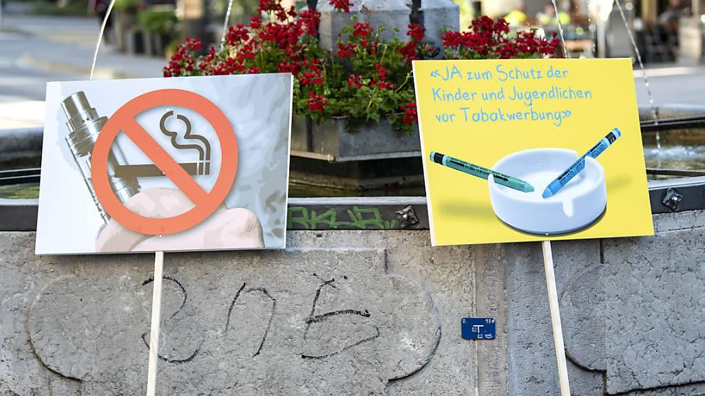 Wie weit soll für Tabakprodukte geworben werden dürfen? Mit dieser Frage beschäftigt sich das Parlament seit längerem. (Archivbild)