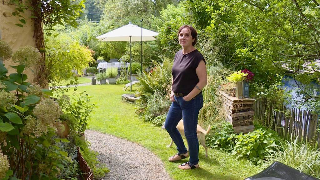Carmelita zeigt ihren grünen Wohntraum mit Solar-Kochinsel