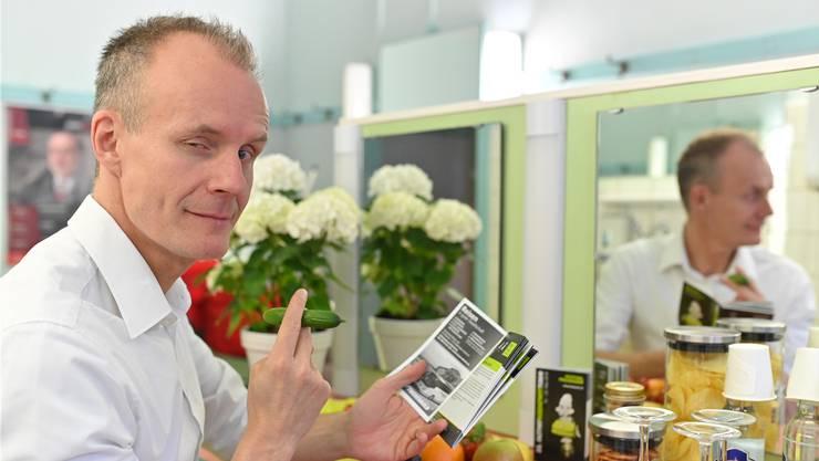 Max Uthoff in der Garderobe des Stadttheaters vor der Preisverleihung: Gut gelaunt und immer zu einem Spass bereit. Bruno Kissling