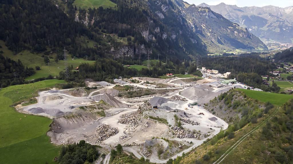 Auch Betonschlamm im Steinbruch Mitholz-Blausee abgelagert