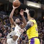 Die Indiana Pacers mit T.J. Warren (links) beendeten die Siegesserien der Los Angeles Lakers in der NBA