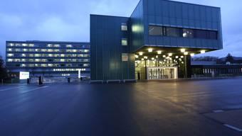 Bis 2023 wechseln alle Spitalliegenschaften (im Bild Kantonsspital Olten) in den Besitz der Solothurner Spitäler AG.