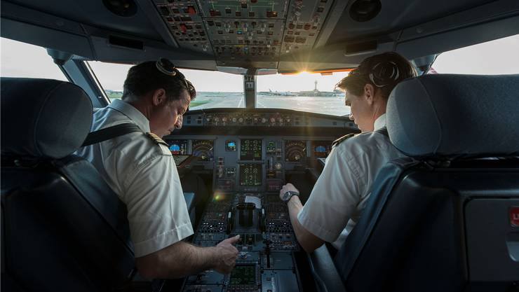 Der Bedarf der Swiss und der Edelweiss Air nach neuen Piloten ist derzeit riesig.  CHRISTIAN BEUTLER/Keystone