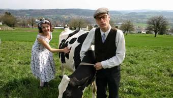 Sonniges «Lach-Znacht»-Duo Kurt & Daisy, hier mit einer schwarz-weiss Gefleckten.