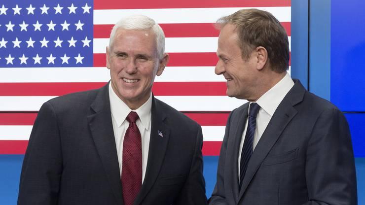 Vizepräsident Mike Pence mit dem EU-Ratspräsidenten Donald Tusk