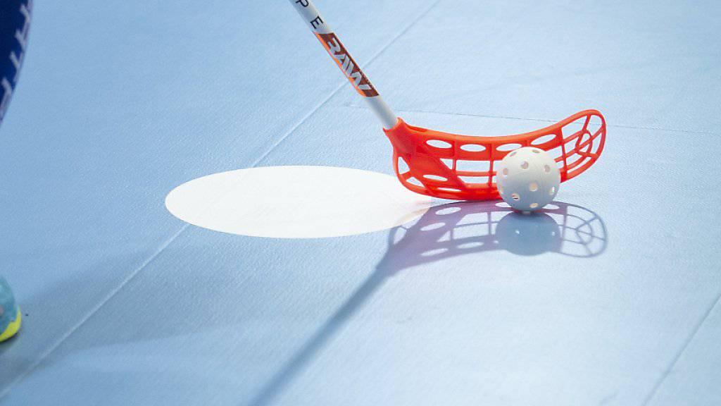 Das Schweizer Unihockey-Nationalteam der Frauen bekommt es an der Heim-WM in Neuenburg in der Gruppenphase mit Finnland zu tun