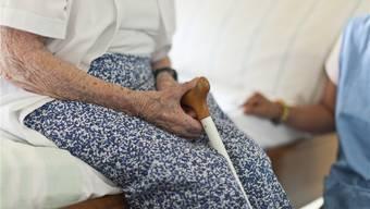 Menschen möchten in vertrauter Umgebung sterben. Dem kommt die Spitex Region Brugg AG mit ihrer Palliative Care nach. Key/symbolbild