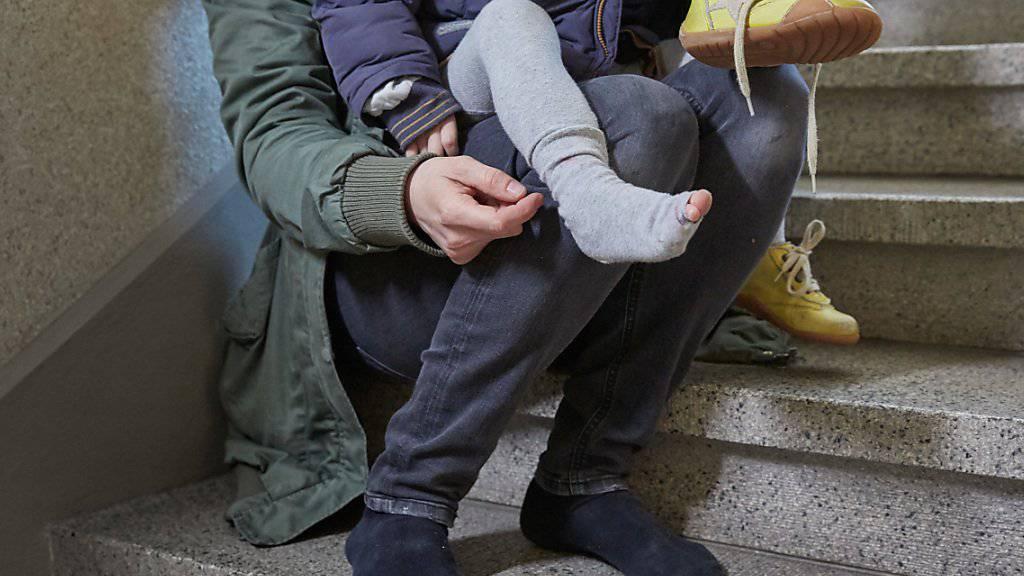 Erstmals seit drei Jahren steigt die Zahl der Sozialhilfeempfängerinnen und -empfänger in der Schweiz wieder leicht. (Themenbild)