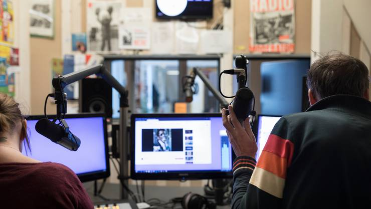 Für Radios und Fernsehstationen sind 30 Millionen Franken Soforthilfe vorgesehen. (Symbolbild)