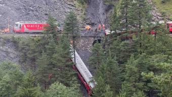 Der entgleiste Zug bei Tiefencastel (Archivbild)