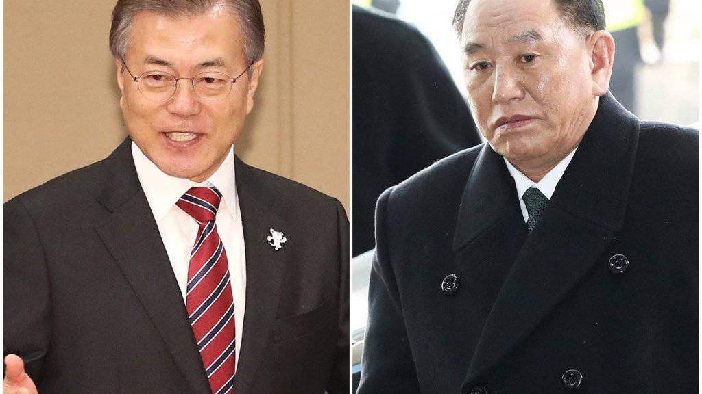Südkoreas Präsident Moon Jae in (l) und der nordkoreanische General Kim Yong Chol trafen sich vor der Schlussfeier der Olympischen Winterspiele (Archiv)