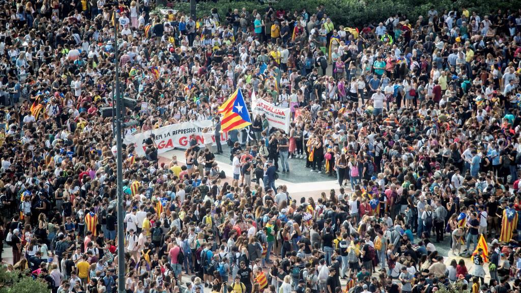 Zehntausende Katalanen setzen Proteste fort