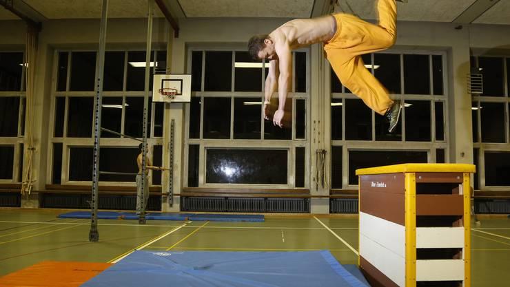 In Solothurn existiert seit sechs Jahren ein noch grösserer Kalorienvernichter für Jugendliche: Athletisches Austoben in Reinform und dies in der Turnhalle.