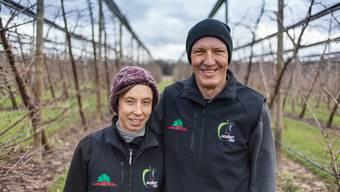 Fränzi und Urs Baur aus Egliswil betreiben einen von zwei Bauernhöfen, die die sonst vor allem im trockenen Süden gedeihenden Früchte ins Seetal holen wollen.