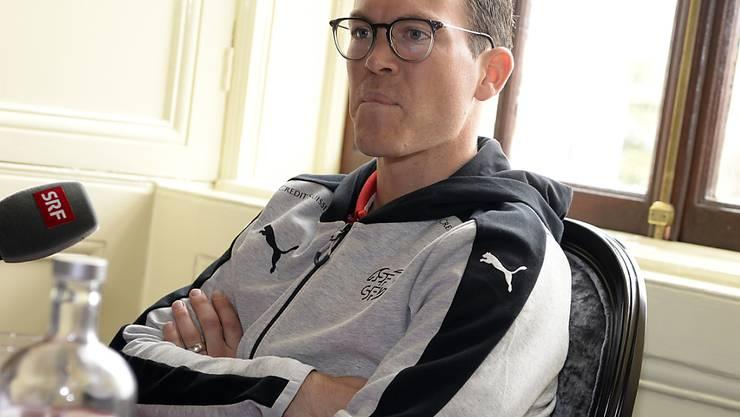 Stephan Lichtsteiner nimmt am Tag nach der 0:1-Testspielniederlage der Schweiz in Irland Stellung zur Leistung seiner Teamkollegen