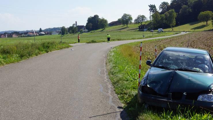 Zwischen Niederwil und Nesselnbach wurde eine 8-Jährige Velofahrerin von einen Auto erfasst.
