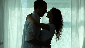 «Häufig rutschen wir nicht in eine Affäre, weil wir eine andere Person suchen, sondern weil wir uns selbst suchen», sagt der Paartherapeut Oskar Holzberg.Thinkstock