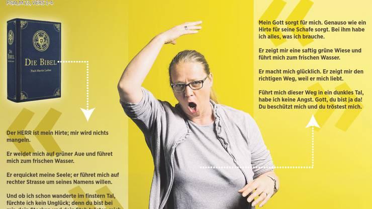 Anita Kohler ist nicht etwa wütend – hier stellt sich die Gehörlosenseelsorgerin vor und gebärdet ihren eigenen Namen. Auch die schwierigen Bibeltexte (links) werden in Gebärdensprache dargestellt, müssen aber erst in einfache Sprache (rechts) übersetzt werden.