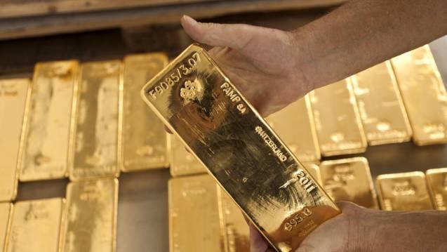 Goldbarren in einem Tresorraum (Archiv)