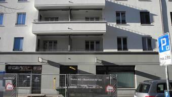 In der Überbauung Lindenhof im Dietiker Limmatfeld werden fünf Büroräume in Wohnungen umgebaut. Sie sind im Juli bezugsbereit.
