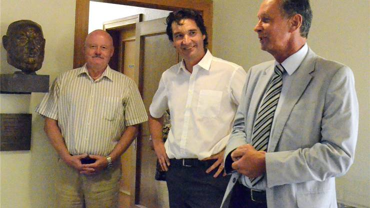 François Scheidegger (Gerichtspräsident und Stadtpräsident-Kandidat, Mitte) mit Philipp Müller (Präsident FDP Schweiz, rechts) und Urs Lerch (Unternehmer).