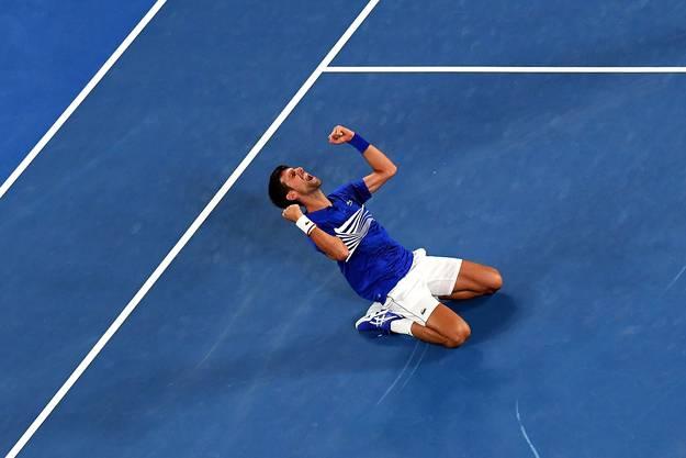 Der Serbe Novak Djokovic gewinnt zum siebten Mal das Australian Open und macht sich damit zum alleinigen Rekordhalter in Melbourne.