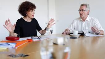 Kontroverse Diskussion: SVP-Kantonsrätin Colette Adam aus Derendingen (gegen das neue Gesetz) und CVP-Kantonsrat Stephan Baschung aus Gerlafingen (für das neue Gesetz).
