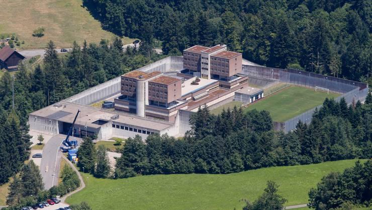 Blick auf die Strafanstalt Bostadel.