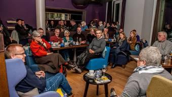 Zweiter Stammtisch des Traktandum 1 im Bistro Hirsch in Ennetbaden