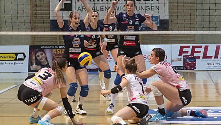 Im ersten Spiel nach der Weihnachtspause gewinnt Sm'Aesch Pfeffingen gegen Volley Lugano klar mit 3:0-Sätzen.