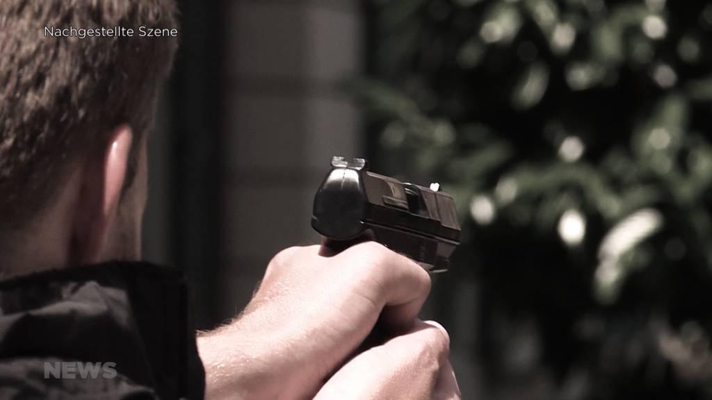 Wann darf ein Polizist zur Waffe greifen?