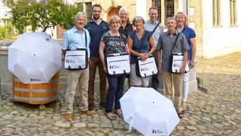 Das Stadtführer-Team (v.l.): Rolf Alder, Titus Meier, Silvia Kistler, Margrit Eichler, Johanna Zumstein, Felix Müller, Konrad Zehnder mit Barbara Dethomas von der Administration Brugg Regio.