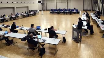 Sitzung im Tägi-Saal