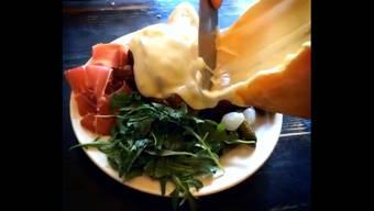 Wer im «Raclette NYC» isst, für den wird Käse nie mehr dasselbe sein, verspricht «Insider» mit diesem Video.