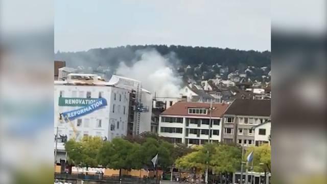 Feueralarm: Dachterrassenbrand beim Grossmünster