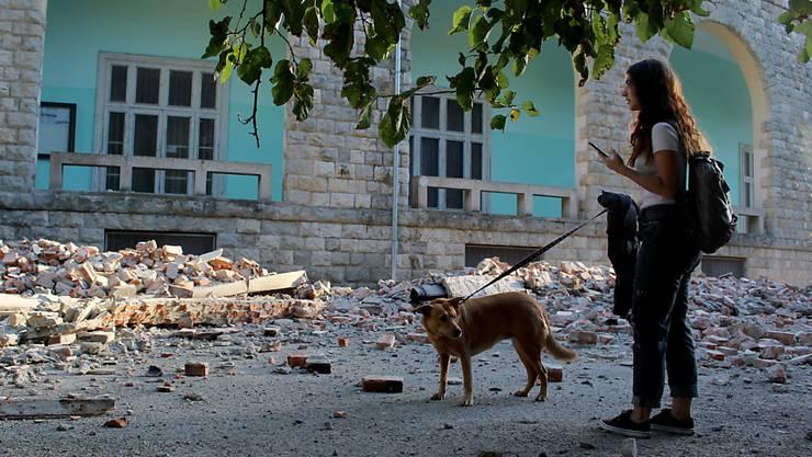 Albanien war am Samstag von heftigen Erdstössen betroffen. An zahlreichen Gebäuden kam es zu grösseren Schäden, über Hundert Menschen wurden verletzt.
