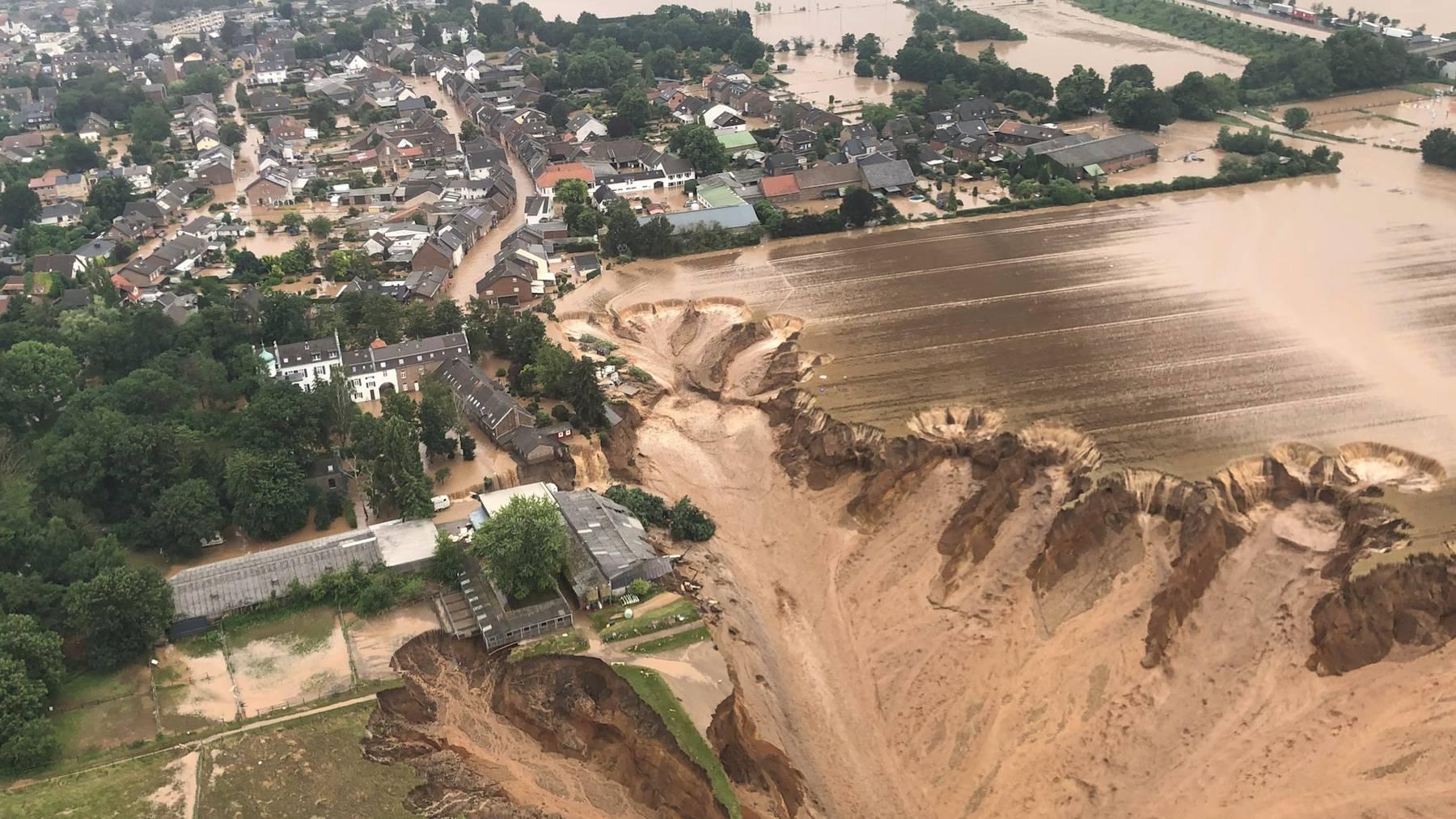 In Erftstadt stürzten bei den Fluten mehrere Häuser ein.