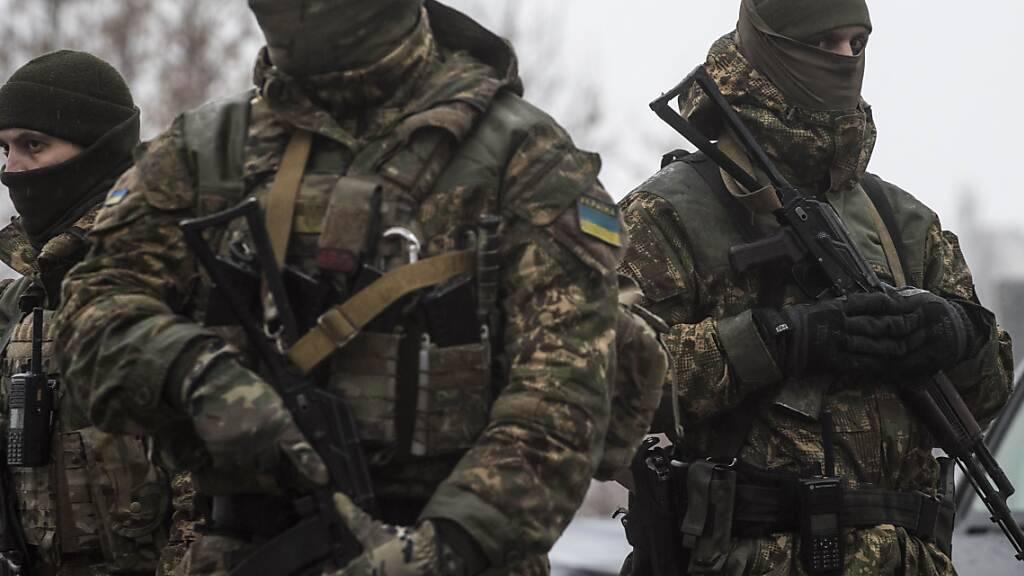 Ukraine und Separatisten werfen sich Angriffe vor