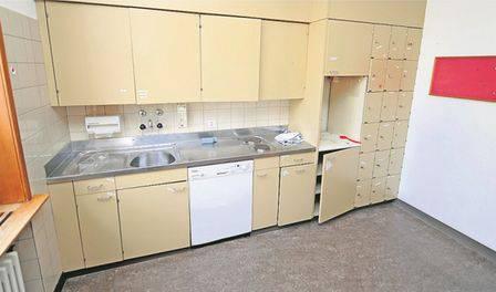 Das Gebäude verfügt über mehrere Küchen, in denen Asylbewerber selber kochen können