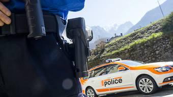 Die Walliser Kantonspolizei hat zwei mutmassliche Drogenhändler aus der Region St-Maurice dingfest gemacht. (Archivbild)