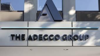 Der Personalvermittler Adecco bekommt die Wirtschaftsabkühlung zu spüren. (Archiv)