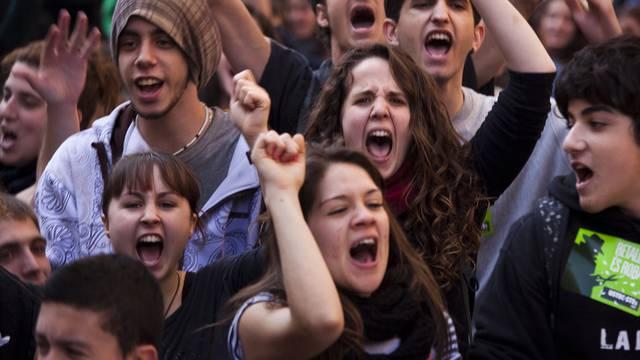 Schüler und Studenten demonstrieren in Barcelona
