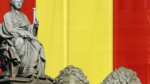 Madrid wird für den Thronwechsel geschmückt