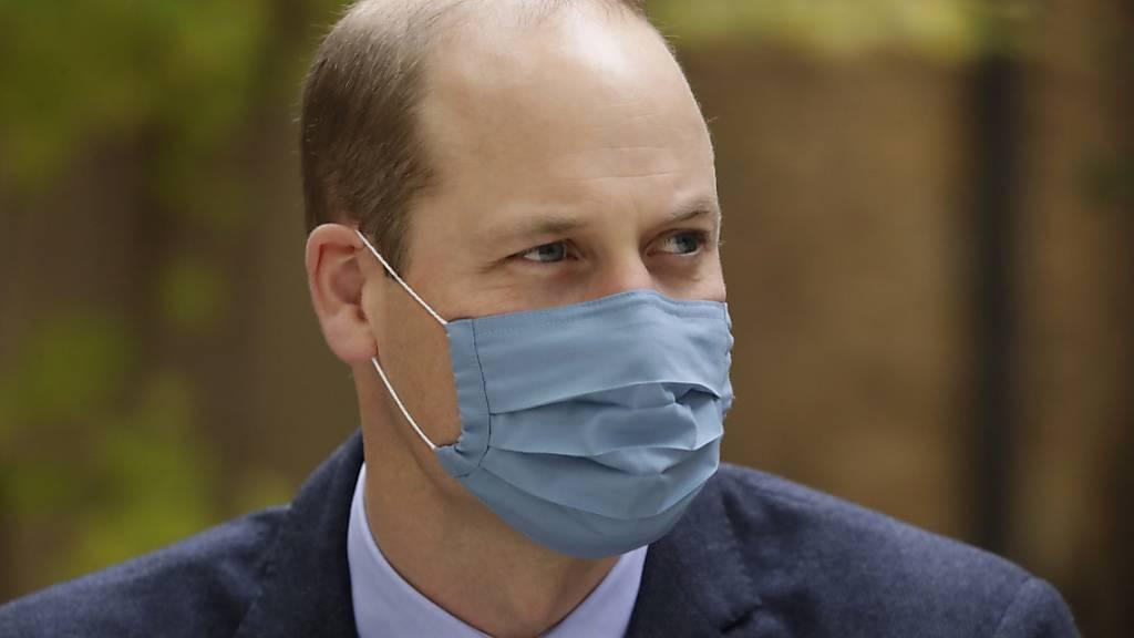 ARCHIV - Die «Sun» spekulierte, Prinz William habe die Öffentlichkeit nicht mit einer weiteren Hiobsbotschaft verunsichern wollen und die Infektion daher geheim gehalten. Foto: Matt Dunham/AP POOL/dpa