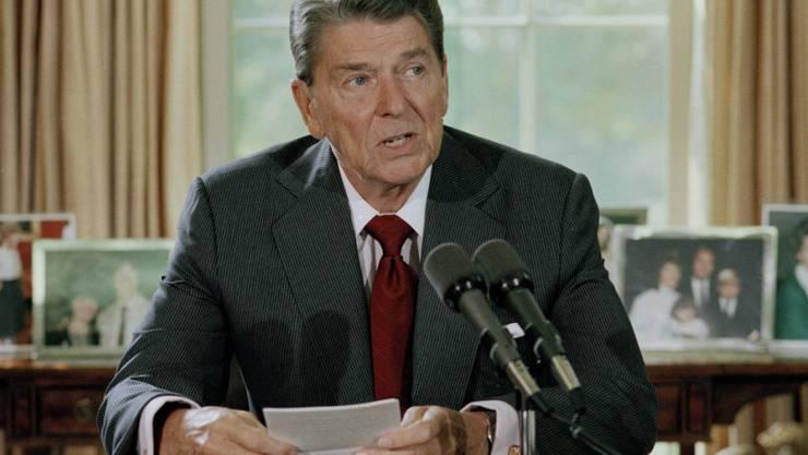 Der Mann, der 1981 auf den damaligen US-Präsidenten Ronald Reagan (im Bild) geschossen hat, darf bald die Psychiatrie verlassen. (Archiv)