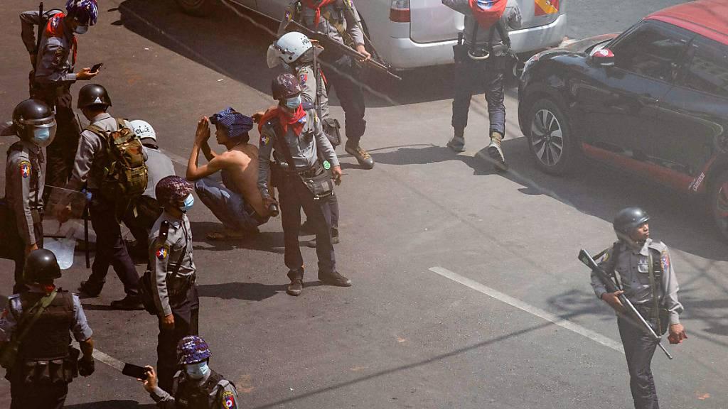 Medien: Tote und Verletzte bei blutigen Protesten in Myanmar